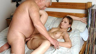 Fiatal vs idős szex videók